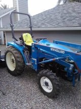 New Holland tc33 Tractor in San Diego, California