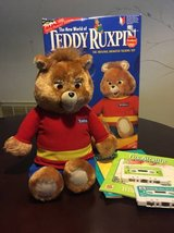 Vtg Teddy Ruxpin w/box tapes &books in Baytown, Texas