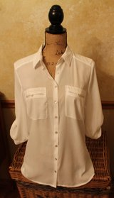 H&M Ivory Polyster Blouse, 3/4 Roll Tab Sleeves, Button Front, Sz 10 - EUC! in Joliet, Illinois
