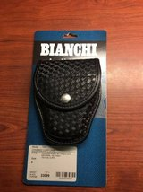Bianchi Handcuff Case (Basket Weave) in Wilmington, North Carolina