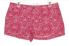 Old Navy Red White Floral Shorts Womens Size 6 in Morris, Illinois