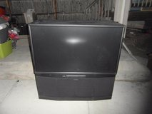 mitsubishi black hd 1080 series flat screen projection tv high definition 33588 in Fort Carson, Colorado