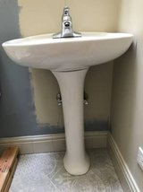 Pedestal sink and faucet in Tinley Park, Illinois