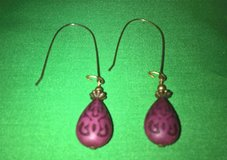 Vintage pierced dangling earrings tear drop shaped bead purple in San Bernardino, California