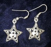 Vintage silver star pierced dangling earrings in Riverside, California