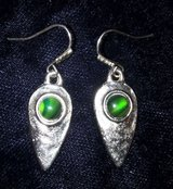 Vintage silver reverse teardrop with green stone pierced dangling earrings in Riverside, California