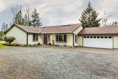 Impeccably Maintained Rambler on 5 acres! *93rd* in Fort Lewis, Washington