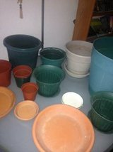 Garden pots and garden pot trays of various sizes in Beale AFB, California
