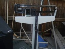 healthometer analog sliding medical scales, 300 lb maximum with height 80072 in Fort Carson, Colorado