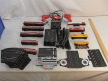vintage various mixed santa fe / southern pacific model train sets 33868 in Fort Carson, Colorado
