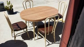 dining table and 4 chairs in Yucca Valley, California