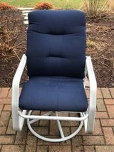 Set of 4 swivel patio chairs with cushions in Bolingbrook, Illinois
