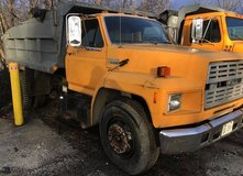 1990 Ford F700 Dump Truck in Naperville, Illinois