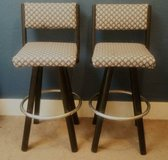 Upholstered Swivel Bar Stools in Oak Harbor, WA