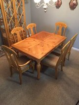 Dining Room table and chairs in Fort Bragg, North Carolina