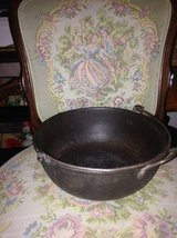 Cast Iron Camping Cookware With Swinging Handle Light Weight in Hill AFB, UT