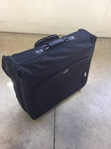 Concourse Wheeled Suitcase/Luggage (Black) in Plainfield, Illinois