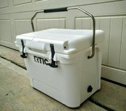 Rtic 20 White Cooler in Perry, Georgia