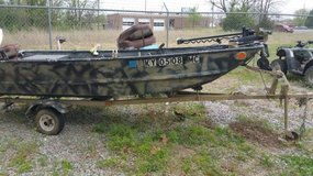14ft Polarcraft boat w/ 35 HP Evinrude motor & Trailer in Fort Campbell, Kentucky