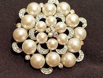 "Pearl Rhinestone Crystal Brooch Pin Mother of Bride Wedding Silver Tone 2.5"" in Kingwood, Texas"