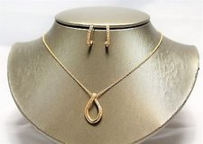nwot gold tone clear gem stone necklace earring set post dangle pendant in Kingwood, Texas