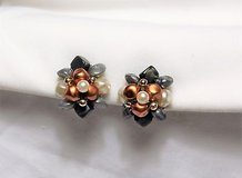 collectible gray orange white plastic bead cluster clip on earrings vintage in Kingwood, Texas