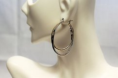 silver gold tone drop dangle hoop circle oval post stud clasp snap closure in Kingwood, Texas