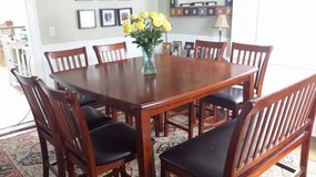 8 piece, counter height, dining room set in Columbus, Ohio