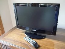 Samsung 19 Inch LCD TV With Remote in Brookfield, Wisconsin