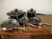 BRAND NEW Set of Farberware Pots And Pans - LOOK! in Brookfield, Wisconsin