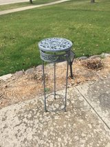 Metal plant table holder in Naperville, Illinois