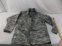 us army universal camo acu cold weather parka coat large regular l-r 41092 in Fort Carson, Colorado