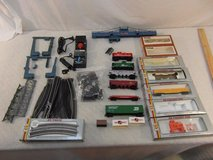 assorted vintage ahm / tyco model railroad train set 20+ pieces sold as is 33632 in Fort Carson, Colorado