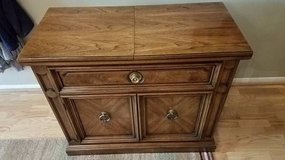 Entry table/serving/sofa Thomasville in Houston, Texas