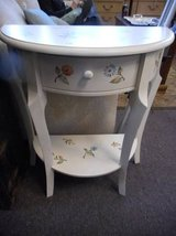 Beautiful Accent Table in Elgin, Illinois