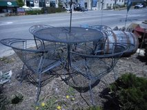 Lovely Metal Patio Set in Elgin, Illinois