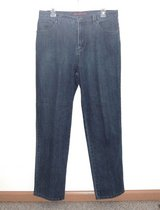 Gloria Vanderbilt AMANDA Denim Jeans Womens Tag Missy 12 Averafe in Oswego, Illinois