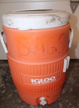 Large 5 Gallon IGLOO Water Drink Cooler Baseball Tailgate Party Fun Cooler in Glendale Heights, Illinois