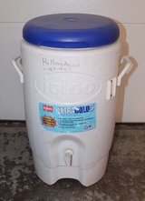 iGLOO 5-Gal UltraTherm Insulated Cooler w/Spigot, Hot or Cold Drink Dispenser in Aurora, Illinois