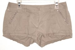 Express Embellished Rhinestone Studded Khaki MINI Shorts Womens 8 w Flap Pockets in Morris, Illinois