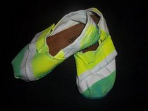 Gabe Lacktman Kids TOMS Neon Lemon-Lime Fade Shoes sz 7 in Silverdale, Washington