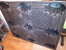 Thermoformed Plastic Pallet 2500 Lbs -used in Sacramento, California