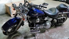 HARLEY DAVIDSON Motorcycle 2006 only 2,500 miles in Elgin, Illinois