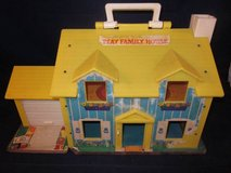 FISHER PRICE LITTLE PEOPLE FPLP Play Family House VINTAGE 1969 in Batavia, Illinois
