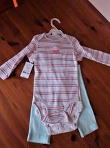 Carter's Infant Girl 3 piece outfit w/cupcake design 12 Mos in Aurora, Illinois