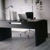 MALM Desk with pull-out panel in Lockport, Illinois