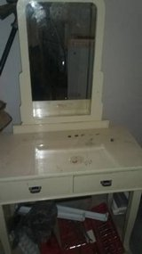 GIRLS MAKEUP VANITY TABLE in Fort Rucker, Alabama