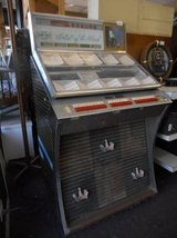 vintage seeburg jukebox a y160 in Naperville, Illinois