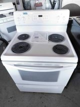 Frigidaire White Electric Stove in Fort Riley, Kansas