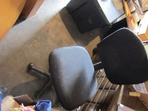 lightly used task chair for office or computer desk wheels work  90180 in Fort Carson, Colorado